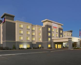 Fairfield Inn & Suites by Marriott Smithfield Selma/I-95 - Smithfield - Building