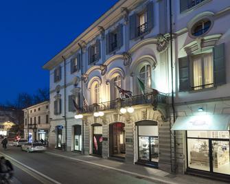 Vittoria - Faenza - Building