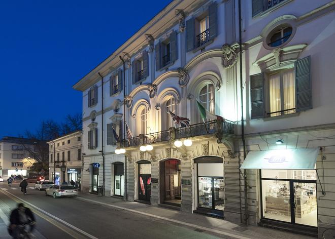 Hotel Vittoria - Faenza - Building