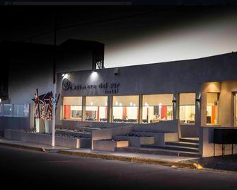 Hotel Costanera del Sur - Caleta Olivia - Building