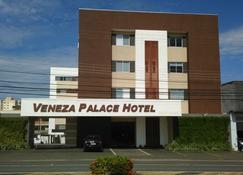 Veneza Palace Hotel - Κουιαμπά - Κτίριο