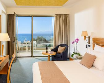 Alexander Beach Hotel & Spa - Александрополіс - Спальня