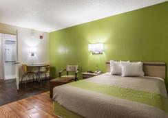 Studio 6 Atlanta - Marietta - Bedroom