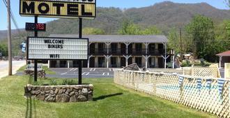 Travelowes Motel - Maggie Valley - Maggie Valley - Κτίριο
