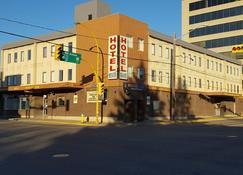 Beaver Hotel - North Battleford - Building