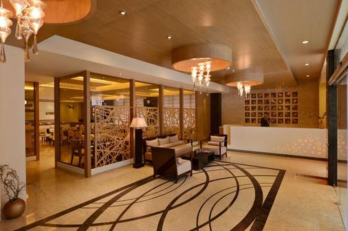 Country Inn & Suites by Radisson Goa Panjim - Panaji - Lễ tân