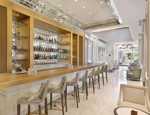 The Ritz-Carlton Executive Residences - Dubai - Bar