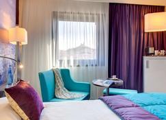 Mercure Marseille Centre Vieux Port - Marseille - Bedroom