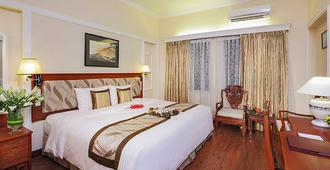 Royal Hotel Saigon - Ho Chi Minh City - Κρεβατοκάμαρα