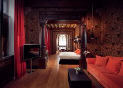 Les Comtes de Mean - Liège - Yatak Odası