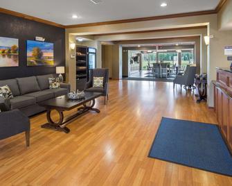 Best Western Legacy Inn & Suites Beloit-South Beloit - South Beloit - Lobby