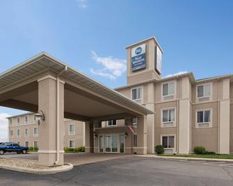 Best Western Legacy Inn & Suites Beloit-South Beloit - South Beloit - Gebouw