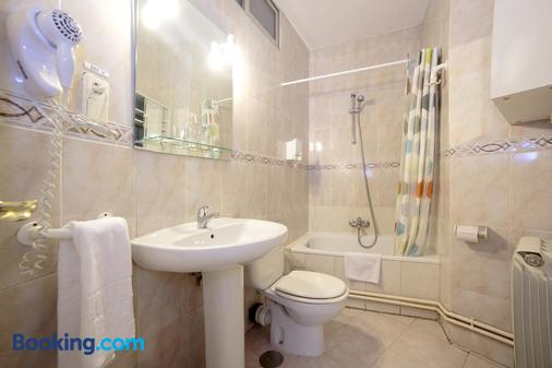 Hostal Adriano - Madrid - Bad