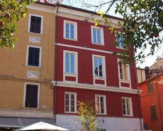 Ostello Palazzo Nizza - Massa - Building