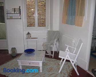 Gite De La Madeleine - Tournus - Living room