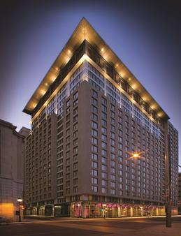 Embassy Suites by Hilton Montreal - Μόντρεαλ - Κτίριο
