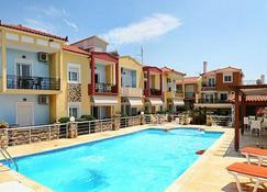 Gera Bay Studios and Apartments - Mitylena - Basen