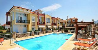 Gera Bay Studios and Apartments - Mytilene