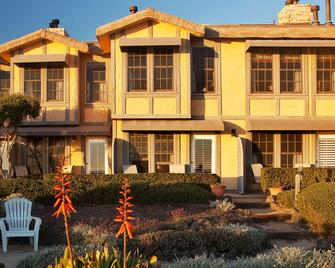 Cottage Inn By The Sea - Pismo Beach - Building