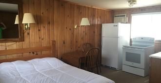 Waters Edge Motel - Alpena