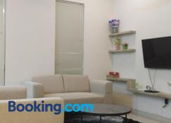 Sleeprest @ The Home Shoutlink - Lubuk Baja - Living room