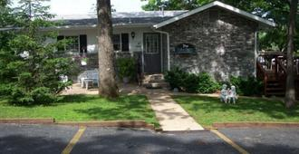 Lakeshore Bed and Breakfast - Branson