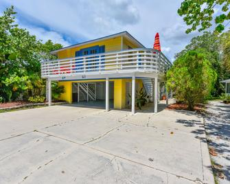 Banana Cabana And Cottage By Beachside Management - Siesta Key - Building