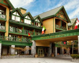 Pinnacle Hotel Whistler - Вістлер - Building