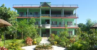 Eco Adventure Resort - Sauraha - Rakennus