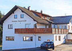 Pension Bayerwald - فراوناو - مبنى