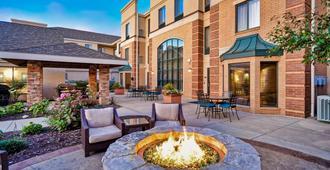 Staybridge Suites Middleton/Madison-West - Middleton - Patio