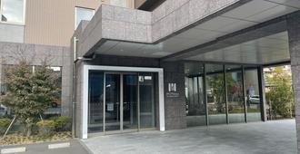 โรงแรมมันเดย์ สนามบินฮาเนดะ (ชื่อเดิม: รีลีฟ พรีเมียม สนามบินฮาเนดะ) - โตเกียว