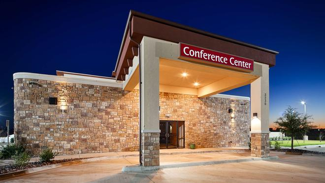 Best Western PLUS Fort Worth Forest Hill Inn & Suites - Forest Hill - Building