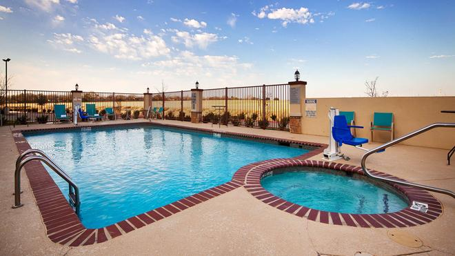 Best Western PLUS Fort Worth Forest Hill Inn & Suites - Forest Hill - Pool