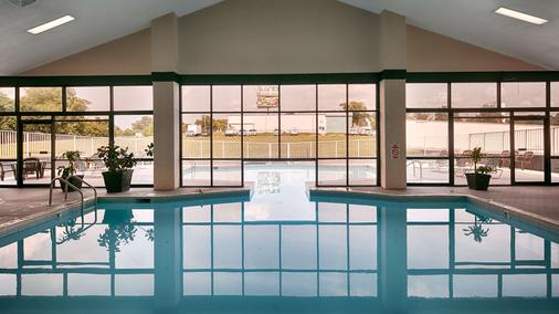 Best Western Parkside Inn - Frankfort - Pool
