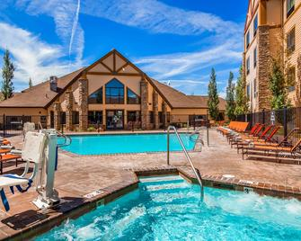 Best Western Plus Bryce Canyon Grand Hotel - Bryce - Pool