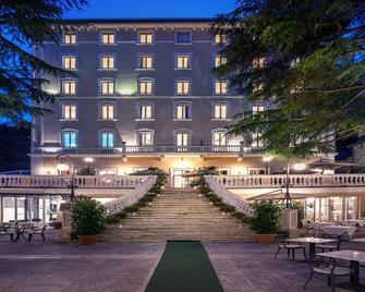 Hotel Helvetia Thermal Spa - Porretta Terme - Gebouw