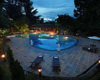 Green Tropical Village - Tanjung Pandan - Pool