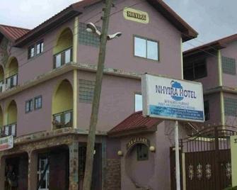Nhyira Hotel - Такораді - Building