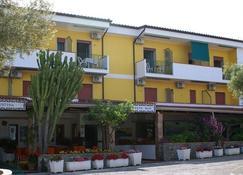Hotel Cristina - Diamante - Rakennus