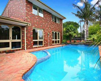 Frankston Guesthouse - Frankston - Zwembad