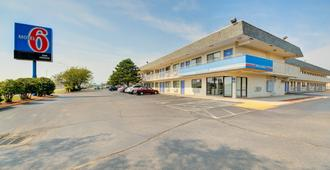 Motel 6 Wichita Airport - וויצי'טה