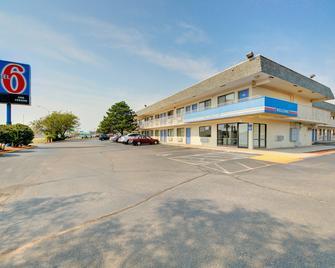 Motel 6 Wichita Airport - Ουιτσίτα - Κτίριο