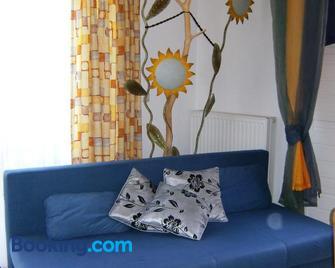 Abenteuerhof - Haus Im Ennstal - Living room