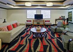 La Quinta Inn & Suites by Wyndham Conway - Conway - Lounge