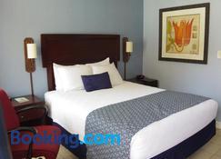 Edgewater Inn - North Myrtle Beach - Bedroom