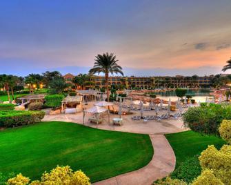 Stella DI Mare Grand Hotel - Ain Sokhna - Patio