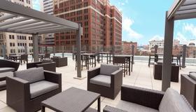 Drury Plaza Hotel Pittsburgh Downtown - Pittsburgh - Patio