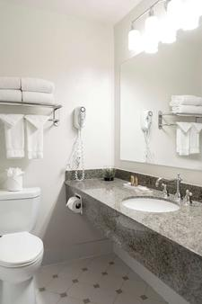 Alo Hotel By Ayres - Orange - Bathroom