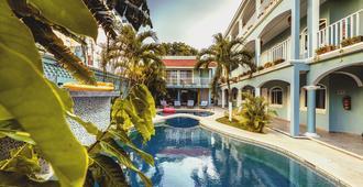 瑟麗納卡門海灘飯店 - 普拉亞卡門 - 游泳池